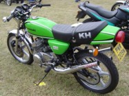 Nicely done monoshocked KH250 at the 2006 VJMC Lotherton Hall Show